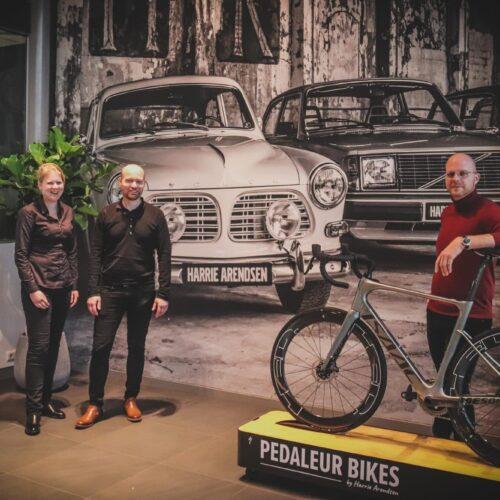Volvo-dealer Harrie Arendsen neemt tweede fietsenwinkel over!