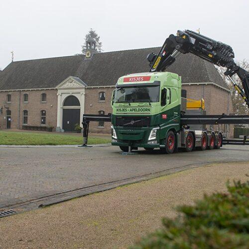 Volvo FH krachtpatser voor Kisjes Transport & Verhuur