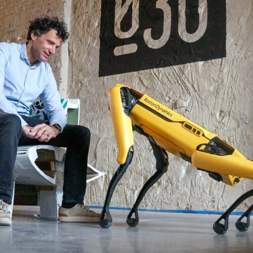 Robothond Spot gaat samenwerken met Zwolse studenten